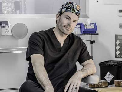 """pionera técnica del lifting facial """"PAVE"""", doctor Kaye médico especialista en cirugía plástica"""