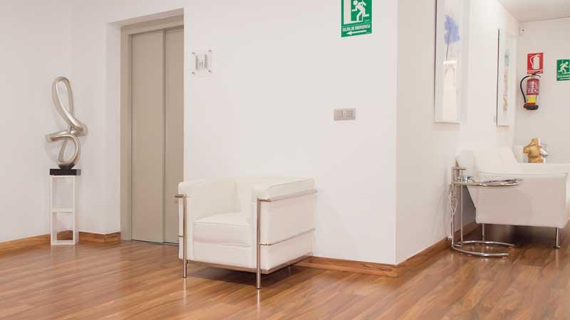 Wartezone Klinik für Plastische Chirurgie Ocean Clinic Marbella Spanien